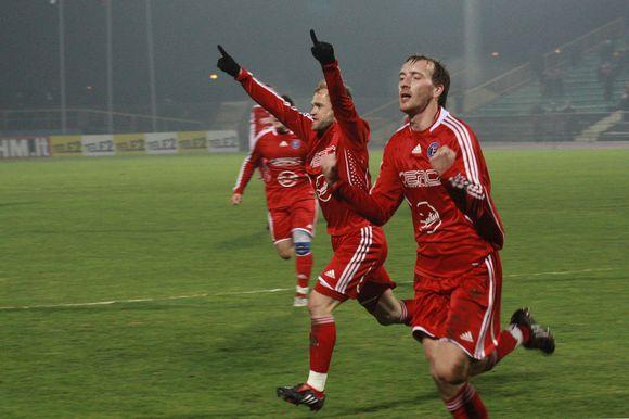 """Įveikę """"Žalgirio"""" klubą panevėžiečiai šventė 19-ąją pergalę pirmenybėse."""
