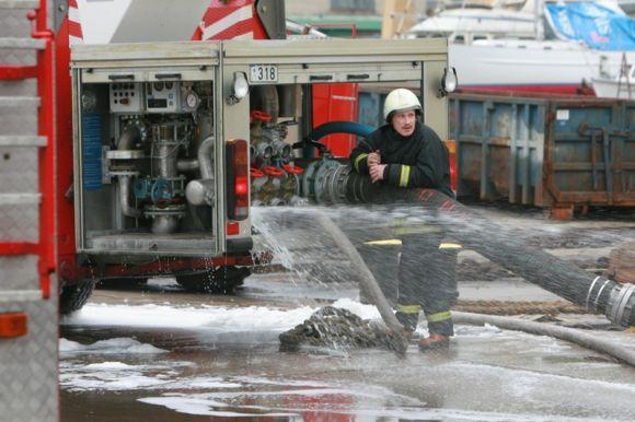 Atliekant laivo remonto darbus kilo gaisras