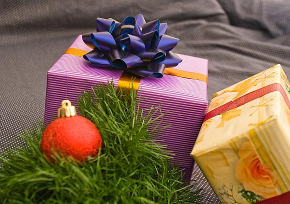 Šiemet žmonės mažiau išlaidaus pirkdami Kalėdines dovanas.