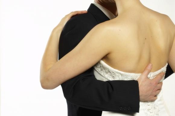 Be puošnių drabužių vestuvės neįsivaizduojamos. Ievos ir Adomo kostiumas – ne išeitis.