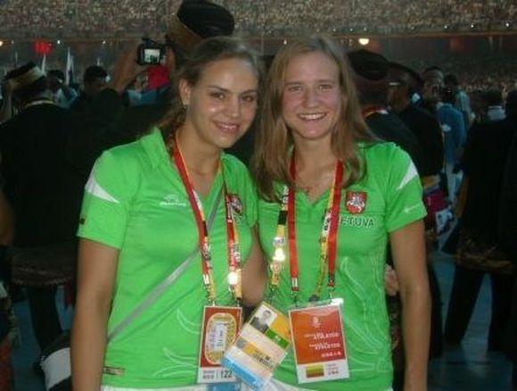 Raminta Dvariškytė (kairėje) Pekino olimpiadoje su Rugile Mileišyte