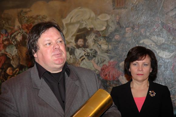 Režisierius Raimundas Banionis su apdovanojimu