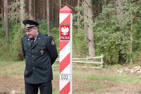 Lietuvos pareigūnas pasienyje su Lenkija