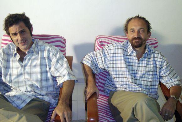 Žurnalistai J.Cendonas ir C.Freemanas