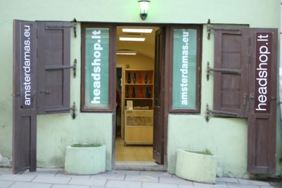 Vilniuje esančios legalių kvaišalų parduotuvės užkliuvo pareigūnams.
