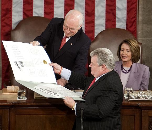 Ketvirtadienį JAV kongresas žengė paskutinį formalų rinkimų rezultatų patvirtinimo žingsnį, po kurio liko tik Baracko Obamos inauguracija.