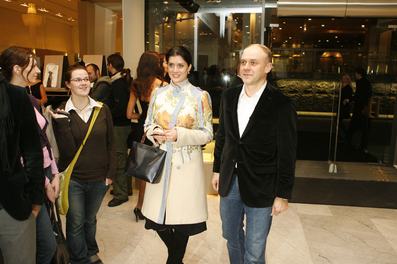 Foto naujienai: Ieva Bieliauskaitė ir Marius Budrikis. Kvepia vestuvėmis!