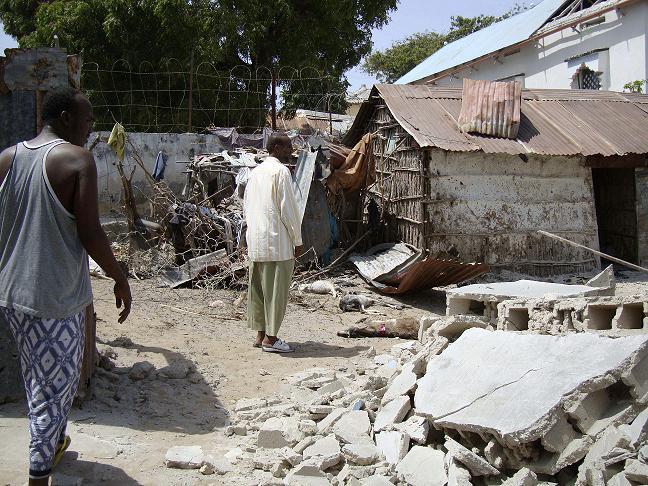 Somalio sostinėje mirtininkas susprogdino užminuotą automobilį.