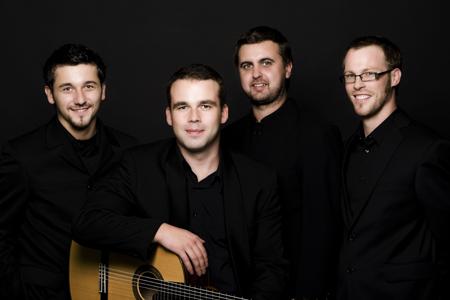 Mokytis į užsienį išvykusią kvarteto narę I.Baltmiškytę pakeitė belgas Ch.Ruebensas.