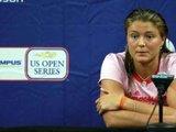 """AFP/""""Scanpix"""" nuotr./Dinara Safina spaudos konferencijoje jautėsi nepatogiai"""