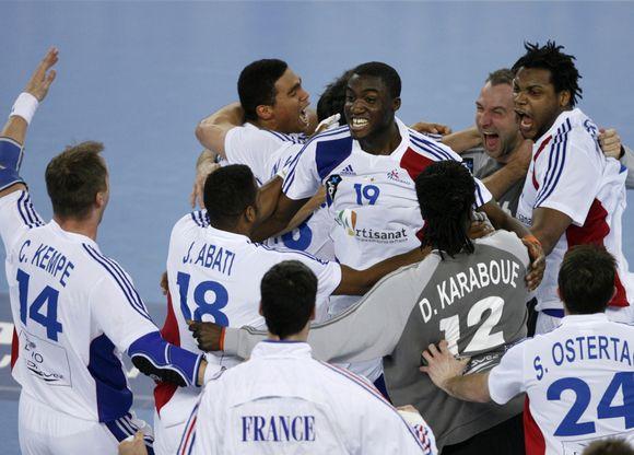 Prancūzai švenčia pergalę