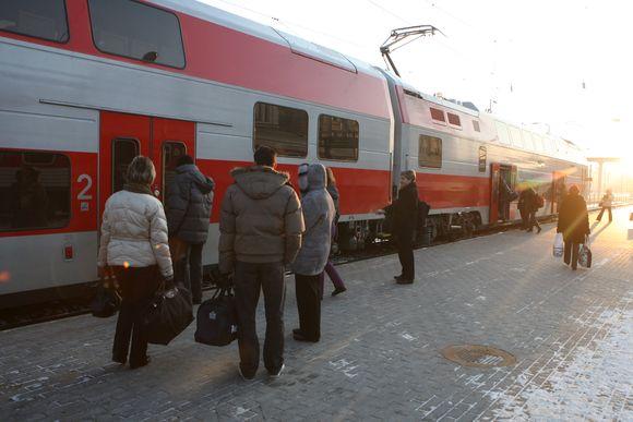 Nuo gruodžio tarp Vilniaus ir Kauno kursuojančiam traukiniui sugedus, keleiviams skiriamas kitas, tačiau už bangesnės kelionės bilietą nauju traukiniu permokėti pinigai negrąžinami.