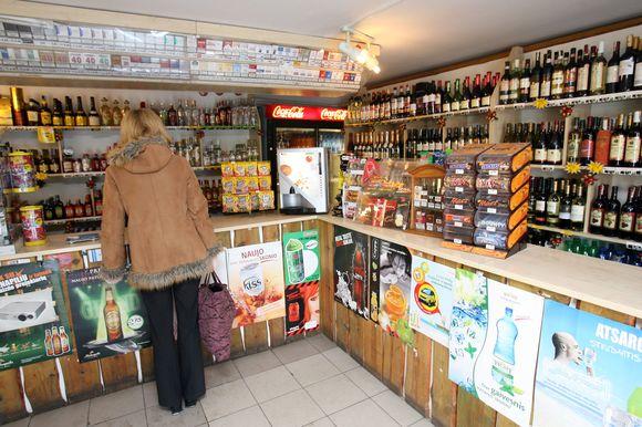 Patikrinę 11 licencijas prekiauti alkoholiu turinčių įstaigų, pareigūnai jokių pažeidimų neužfiksavo.