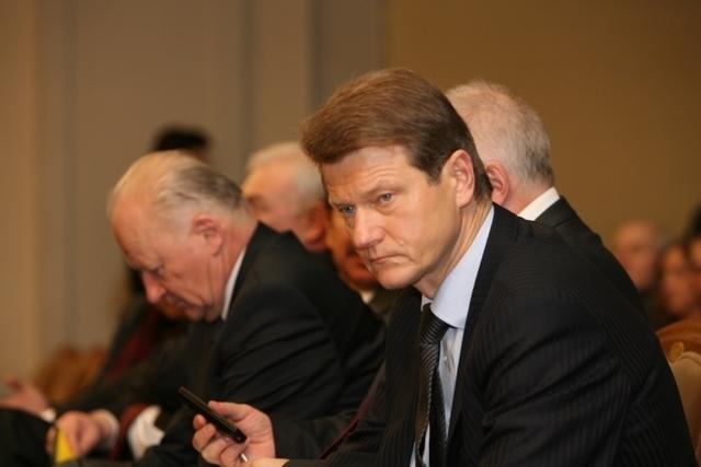 R.Paksas Lietuvai prisiekti nebegali, mėgins tai daryti Europos Sąjungai.
