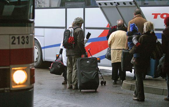 Vežėjai autobusais keleivių srauto padidėjimo laukia vasarą.