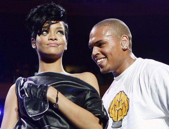 Rihanna ir Chrisas Brownas.