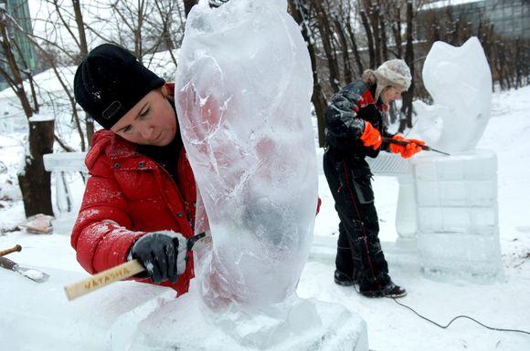 Kuriamos ledo skulptūros