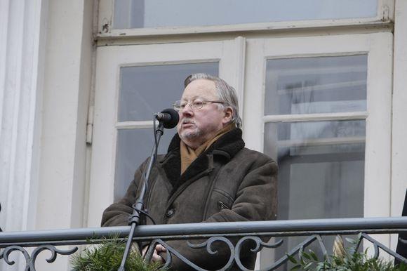 V.Landsbergis