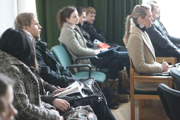 Padiskutuoti su dėstytojais VDU studentai vėl galės ne tik auditorijose.