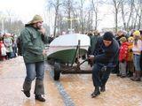 E.Jankausko/15min.lt nuotr. /Varžytuvės: kas toliau nutemps valtį.