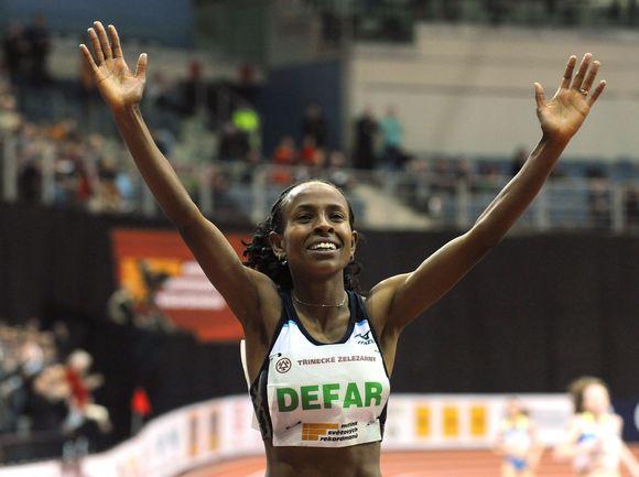 M.Defar pasaulio rekordą pasiekė Čekijoje.