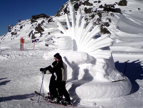 Žilvino Pekarsko/15min.lt nuotr./Sniego skulptūros