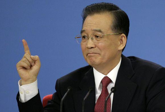 Kinijos premjeras Wen Jiabao mano, kad pasaulis nuo ekonominės krizės atsigaus kitais metais.