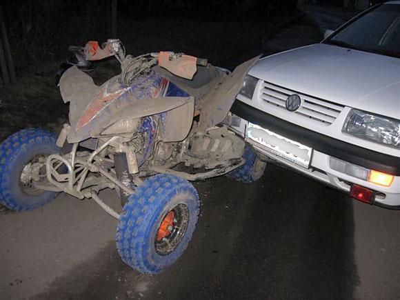 Policijos automobilis kliudė keturratį