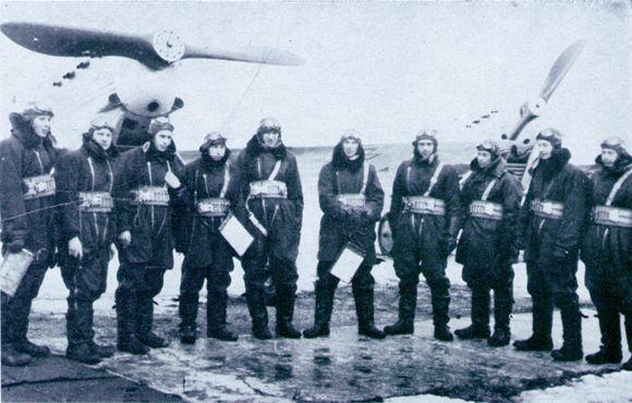 Kadras iš Lietuvos karo aviacijos istorijos