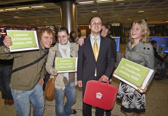 Airijos lietuviai pasitiko atvykusius LR prezidento rinkimus.
