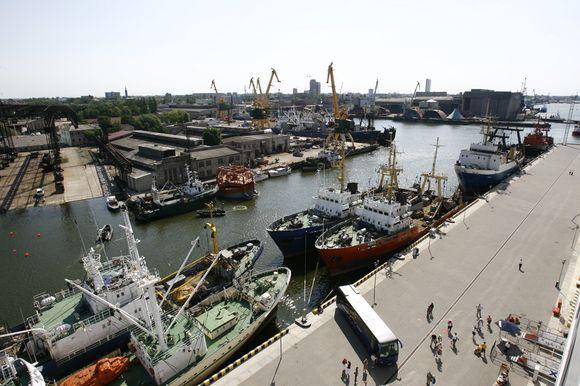 """""""Vakarų laivų gamykla""""  r """"Fiskerstrand Verft AS"""" valdoma kompanija """"Fiskerstrand BLRT AS"""" pasirašė sutartį su garsia Norvegijos laivų projektavimo kompanija """"Multi Maritime AS""""."""