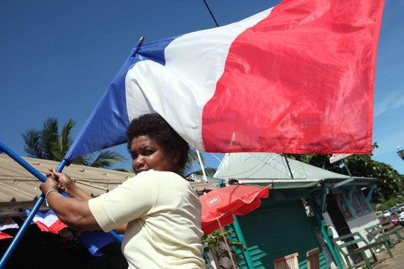 Majoto salos rinkėjai sekmadienį referendume balsavo už tai, kad jų sala taptų visaverte Prancūzijos dalimi.