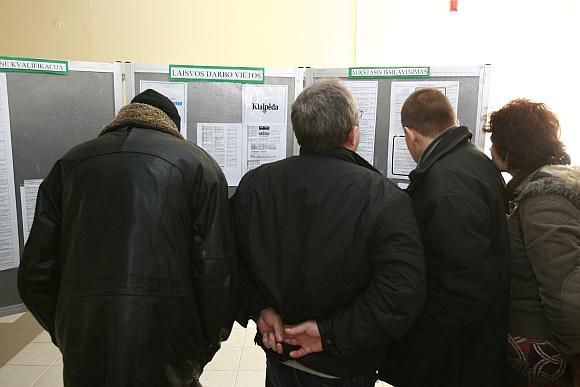 Per paskutiniąsias dvi kovo savaites bedarbių Klaipėdoje sparčiai daugėjo, dauguma naujų bedarbių – atleistieji iš privačių įmonių.