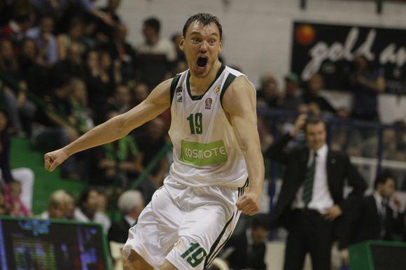 Š.Jasikevičius triumfuoja - jo komanda pateko tarp keturių stipriausių Eurolygos komandų.