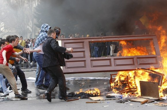 Moldovoje siautėjo riauaininkai.