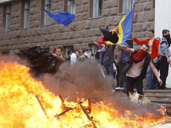 Moldovoje demonstracija virto riaušėmis.