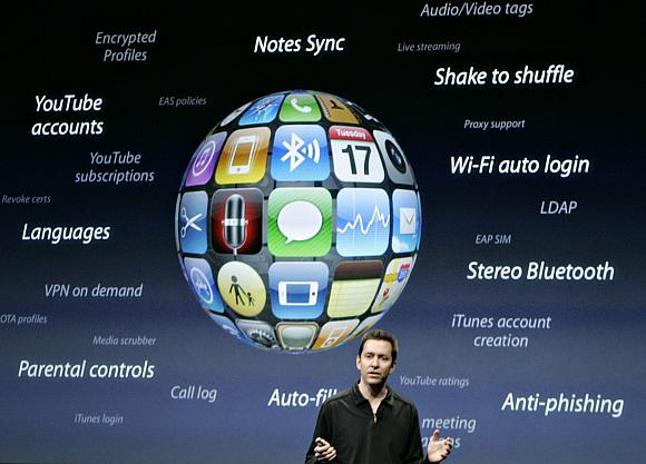 """Trečiosios kartos """"iPhone"""" operacinė sistema buvo pristatyta dar šių metų kovo 17 d."""