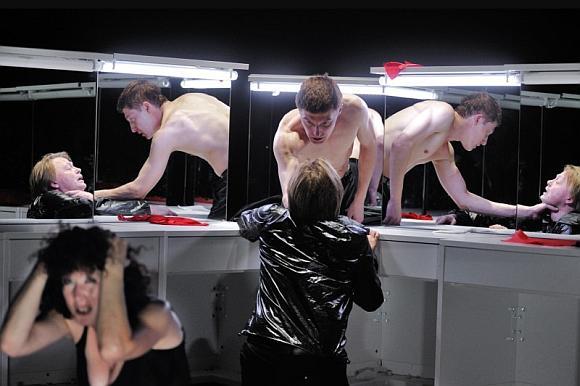 """31-ąjį festivalį """"Lietuvos teatrų pavasaris – Kaunas 2009"""" trečiadienio vakarą pradės Oskaro Koršunovo spektaklis """"Hamletas""""."""
