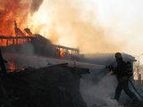 15min.lt skaitytojo Eimanto G. nuotr./Ugniagesiai gesina gaisrą