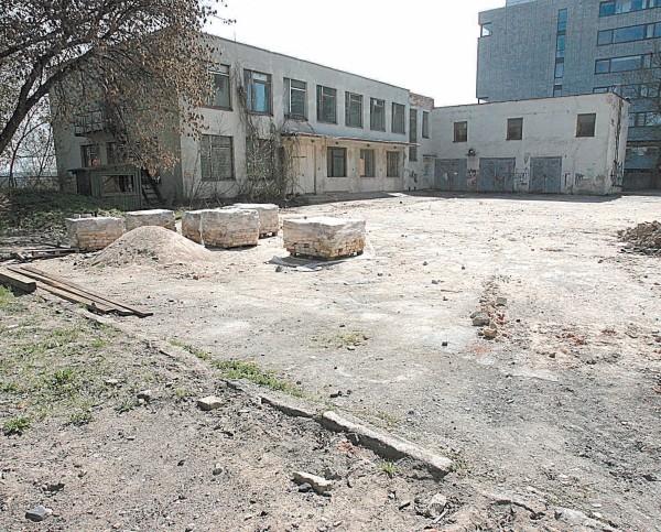 Milijonus kainuojančio pastato ir žemės Vilniaus centre likimą ėmė spręsti Vyriausybė.
