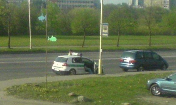 Kicker nuotr./Policija autobusų stotelėje