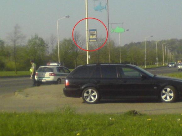 Policija autobusų stotelėje