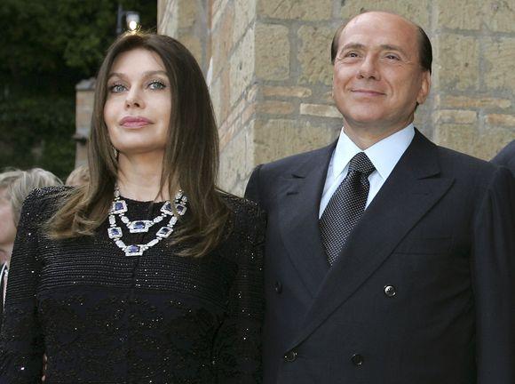 V.Lario ir S.Berlusconis