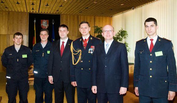 Seimo pirmininkas pasveikino ugniagesius Šv.Florijono dienos proga.