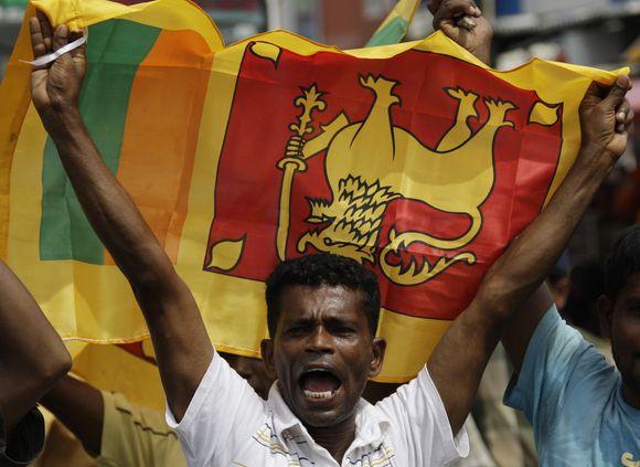 """Šri Lanka švenčia pergalę prieš tamilų """"tigrus""""."""