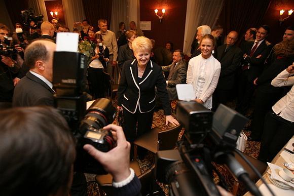 Dalia Grybauskaitė pasitikta ovacijomis ir sveikinimais.
