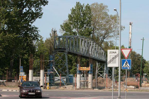 Šiaurinėje Klaipėdos dalyje elektra dingo pažeidus kabelį statant naująjį viaduką per geležinkelį.