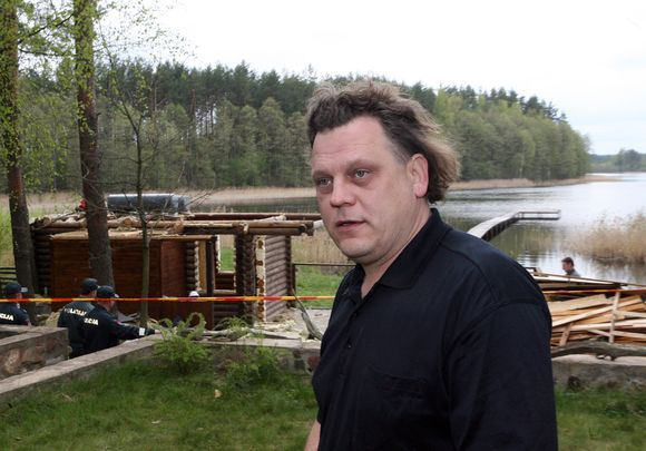 Verslininkas A.Strolis pagarsėjo nelegalios savo pirties gynyba.