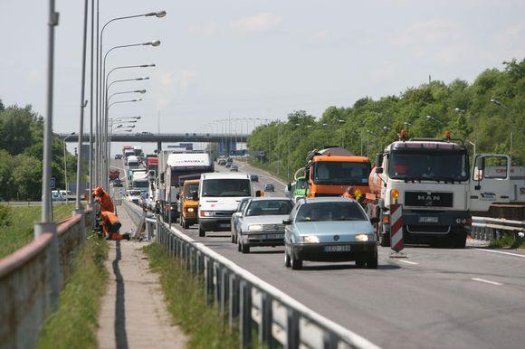 Planuojama, kad visi darbus ant Kleboniškio tilto bus baigti iki savaitės pabaigos.