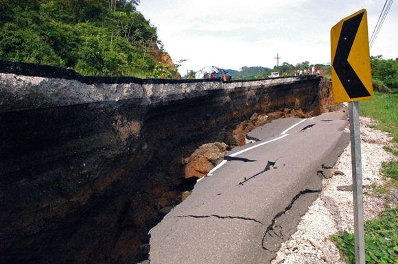 Hondūro ekonomikos centrą sukrėtė stiprus žemės drebėjimas.